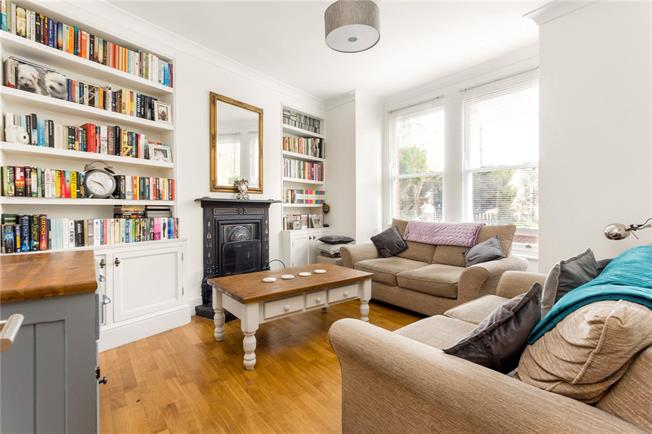 Asking Price £970,000, 4 Bedroom End of Terrace House For Sale in London, W4