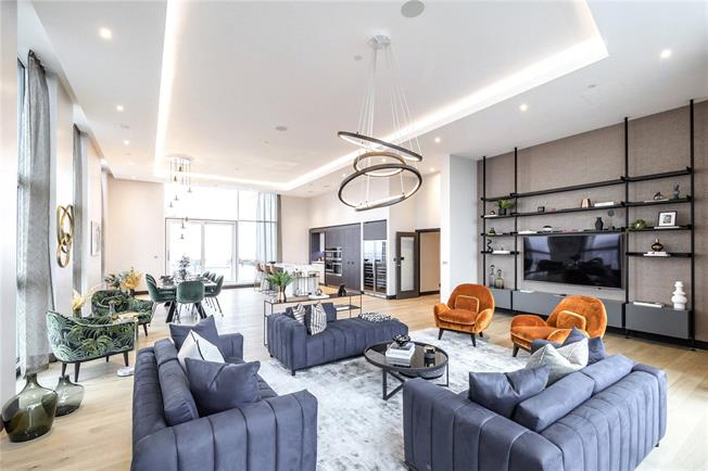 Asking Price £3,249,950, 3 Bedroom Flat For Sale in London, W6