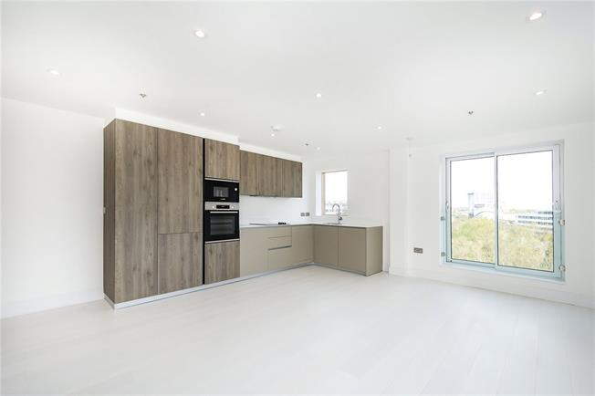Asking Price £525,000, 1 Bedroom Flat For Sale in London, W4