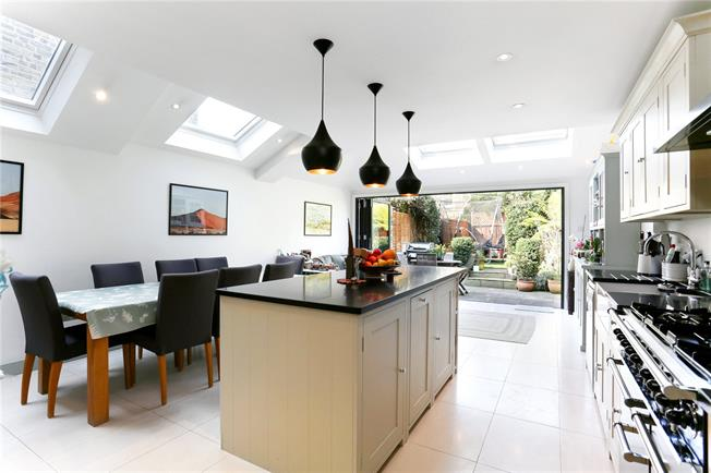 Asking Price £1,575,000, 4 Bedroom Terraced House For Sale in London, W4
