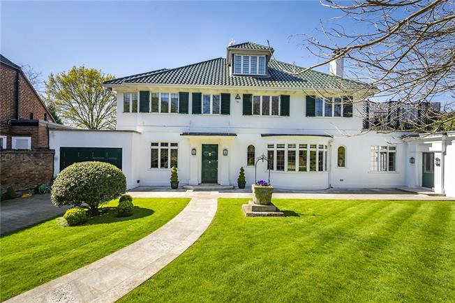 Asking Price £10,000,000, 5 Bedroom Detached House For Sale in London, W4