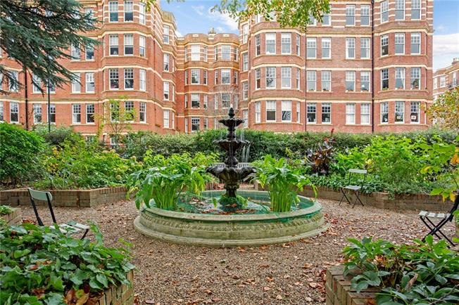 Asking Price £455,000, 1 Bedroom Flat For Sale in London, W4