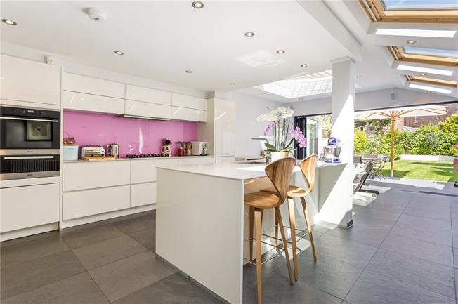 Asking Price £1,500,000, 5 Bedroom Terraced House For Sale in London, W4