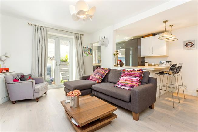 Asking Price £475,000, 1 Bedroom Flat For Sale in London, W4