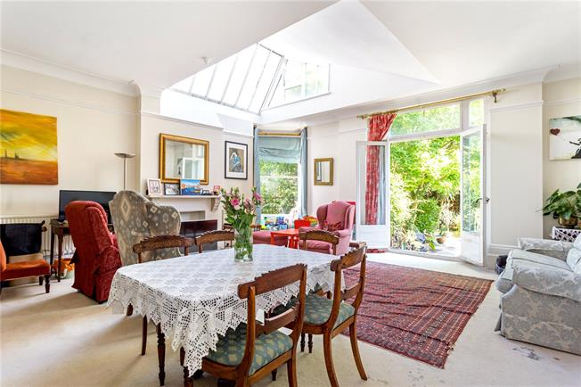 Asking Price £925,000, 1 Bedroom Flat For Sale in London, W6
