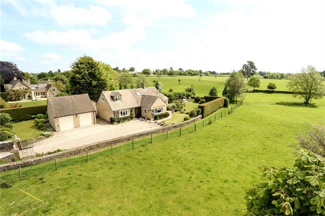 Guide Price £760,000, 4 Bedroom Detached House For Sale in Ampney Crucis, GL7