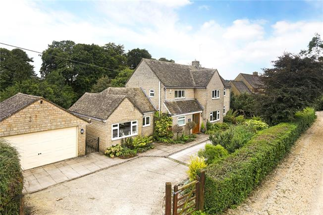 Guide Price £740,000, 4 Bedroom Detached House For Sale in Gloucestershire, GL53