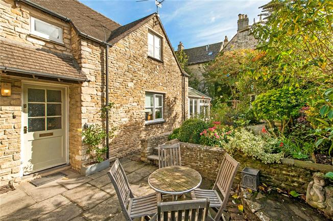 Guide Price £310,000, 2 Bedroom End of Terrace House For Sale in Tetbury, GL8