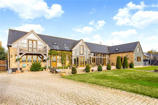 Guide Price £1,100,000, 5 Bedroom Detached House For Sale in Brinkworth, SN15