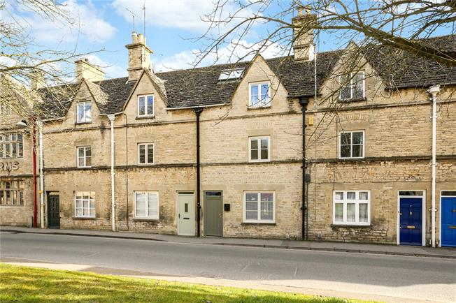 Guide Price £339,000, 3 Bedroom Terraced House For Sale in Cirencester, GL7