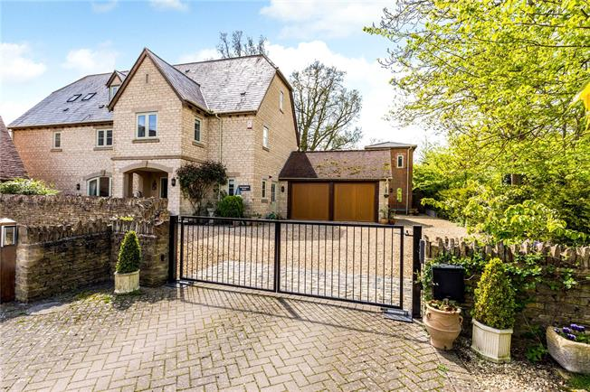 Guide Price £1,150,000, 6 Bedroom Detached House For Sale in Hannington, SN6