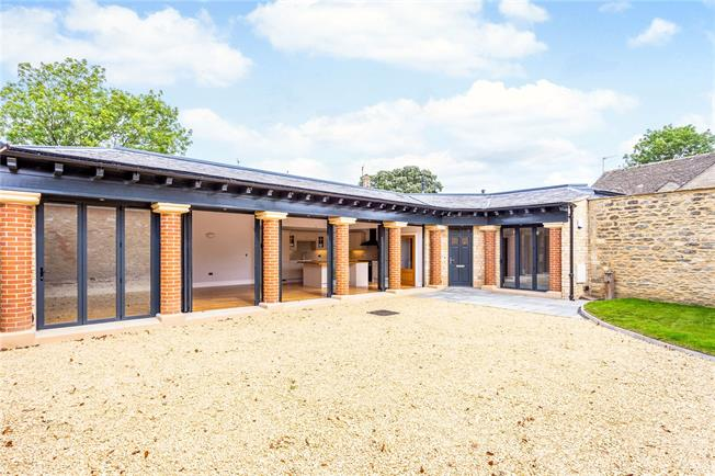 Guide Price £685,000, 2 Bedroom Bungalow For Sale in Wiltshire, SN16