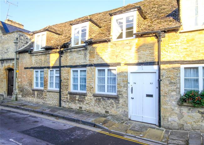 Guide Price £550,000, 4 Bedroom Terraced House For Sale in Cirencester, GL7