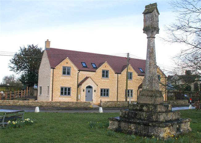 Guide Price £550,000, 4 Bedroom Semi Detached House For Sale in Down Ampney, GL7