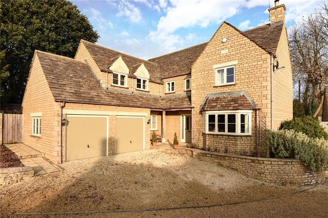 Guide Price £895,000, 5 Bedroom Detached House For Sale in Cirencester, Gloucestersh, GL7
