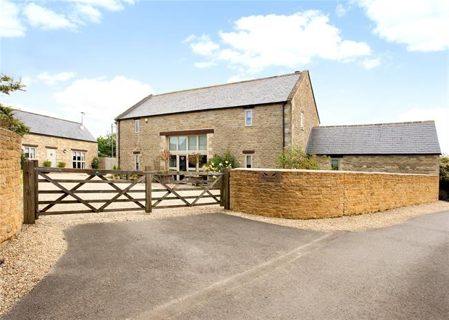 Guide Price £1,250,000, 5 Bedroom Detached House For Sale in Fairford, Gloucestershire, GL7