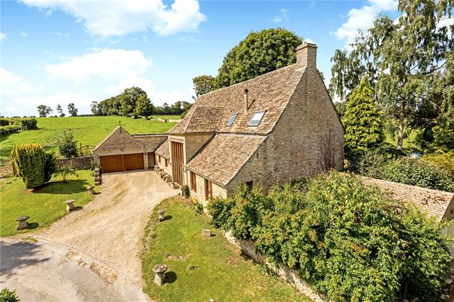 Offers in excess of £800,000, 4 Bedroom House For Sale in Cirencester, GL7