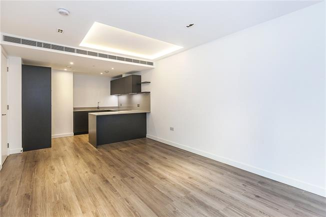 Asking Price £925,000, 2 Bedroom Flat For Sale in London, E1
