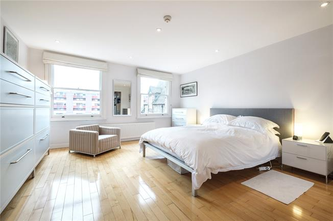 Asking Price £2,150,000, 3 Bedroom Terraced House For Sale in London, EC1Y