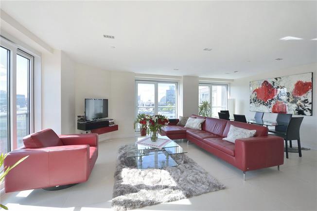 Asking Price £1,695,000, 2 Bedroom Flat For Sale in London, EC1Y