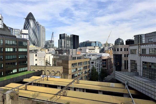 Asking Price £650,000, 1 Bedroom Flat For Sale in London, EC3N