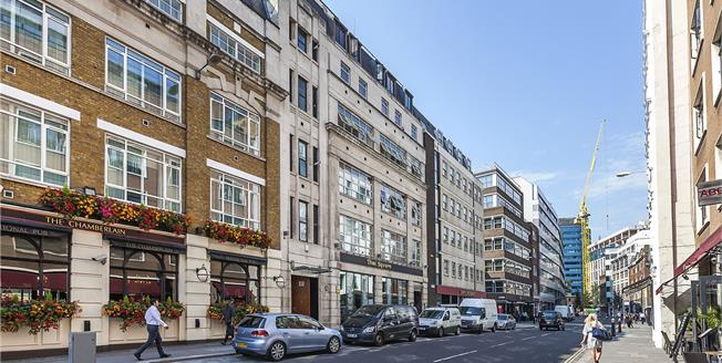 Asking Price £925,000, 3 Bedroom Flat For Sale in City Of London, EC3N