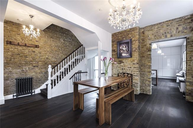 Asking Price £1,500,000, 3 Bedroom Flat For Sale in London, E1