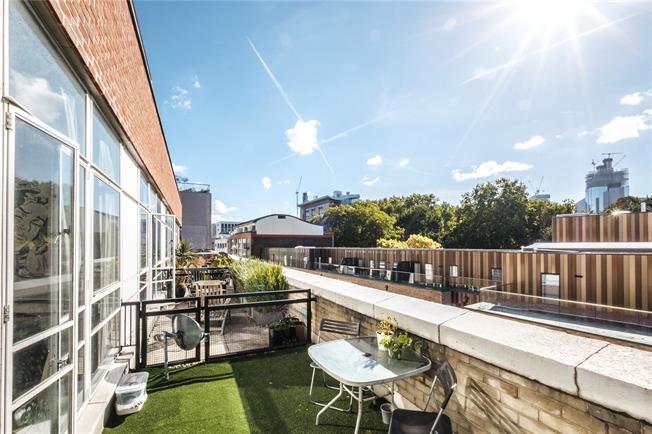 Asking Price £850,000, 3 Bedroom Flat For Sale in London, EC1Y