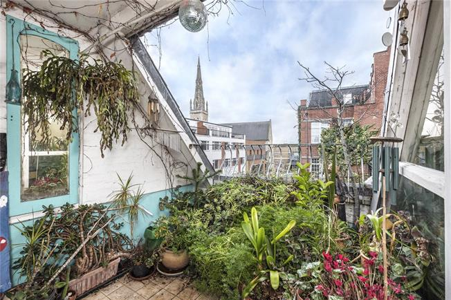 Asking Price £1,195,000, 3 Bedroom Flat For Sale in Shadwell, E1