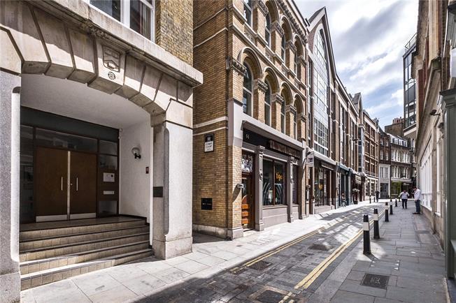 Asking Price £675,000, 1 Bedroom Flat For Sale in London, EC4V