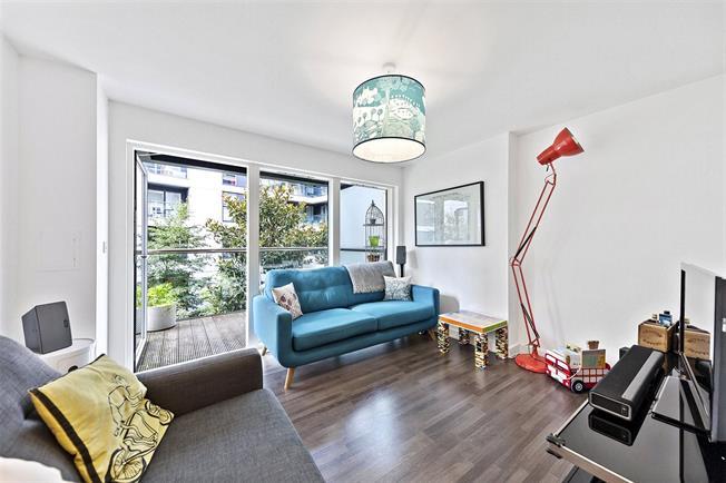 Asking Price £775,000, 2 Bedroom Flat For Sale in London, EC1V