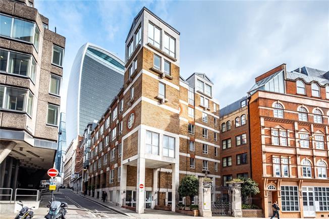 Asking Price £750,000, 2 Bedroom Flat For Sale in London, EC3R