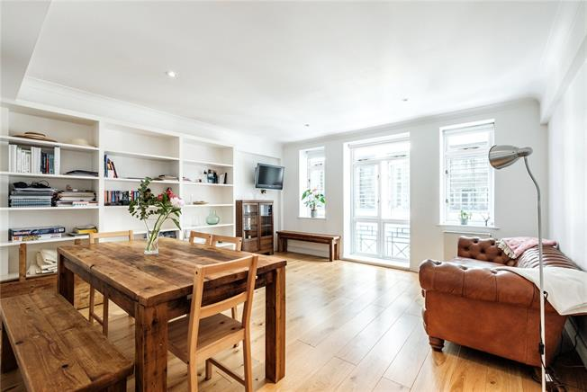 Asking Price £925,000, 2 Bedroom Flat For Sale in London, EC4A