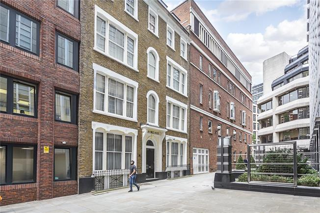 Asking Price £825,000, 2 Bedroom Flat For Sale in London, EC4A