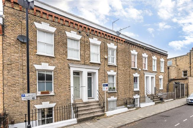 Asking Price £1,050,000, 3 Bedroom Terraced House For Sale in London, SW8