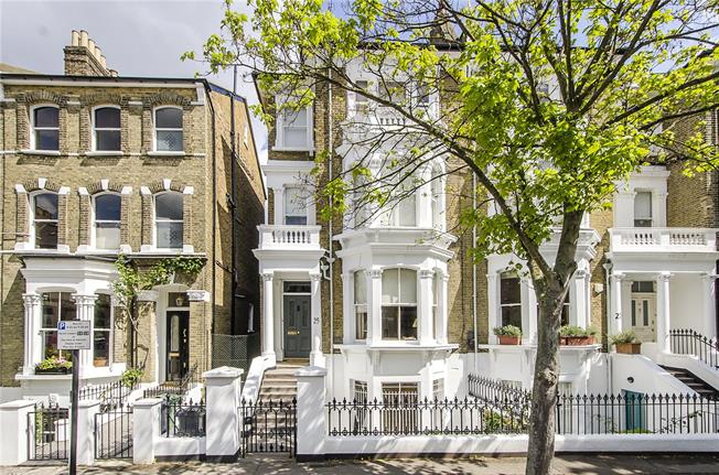 Guide Price £1,975,000, 5 Bedroom Semi Detached House For Sale in London, SW4