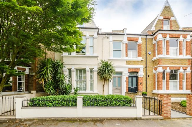 Guide Price £1,925,000, 5 Bedroom Semi Detached House For Sale in London, SW4