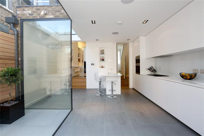 Asking Price £1,250,000, 3 Bedroom Terraced House For Sale in London, SW2