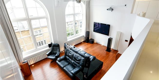 Offers in excess of £1,000,000, 3 Bedroom Flat For Sale in London, SW2