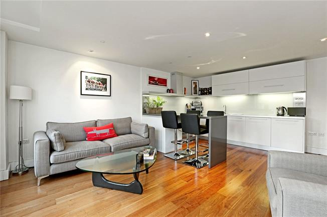 Asking Price £485,000, 1 Bedroom Flat For Sale in London, SW4