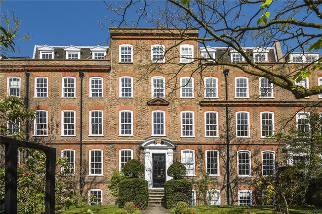Guide Price £500,000, 1 Bedroom Flat For Sale in London, SW4