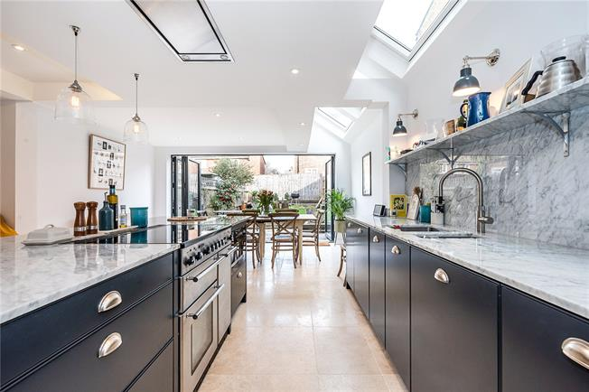 Asking Price £1,200,000, 4 Bedroom Terraced House For Sale in London, SW2