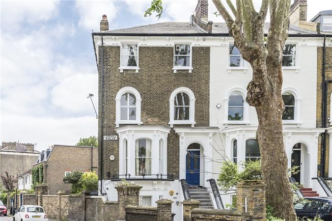 Offers in excess of £650,000, 2 Bedroom Flat For Sale in London, SW4