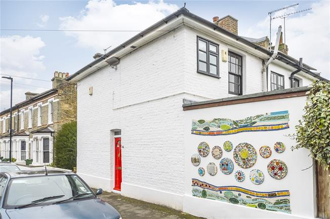 Asking Price £550,000, 2 Bedroom Terraced House For Sale in London, SW2
