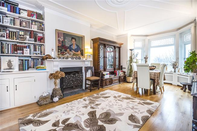 Asking Price £1,455,000, 4 Bedroom Flat For Sale in London, SW4