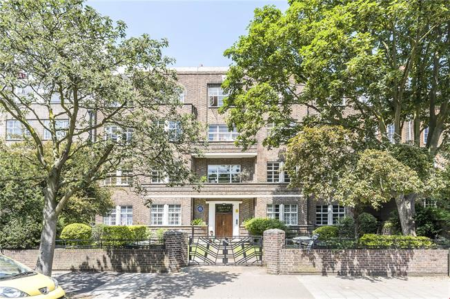 Asking Price £915,000, 3 Bedroom Flat For Sale in London, SW4