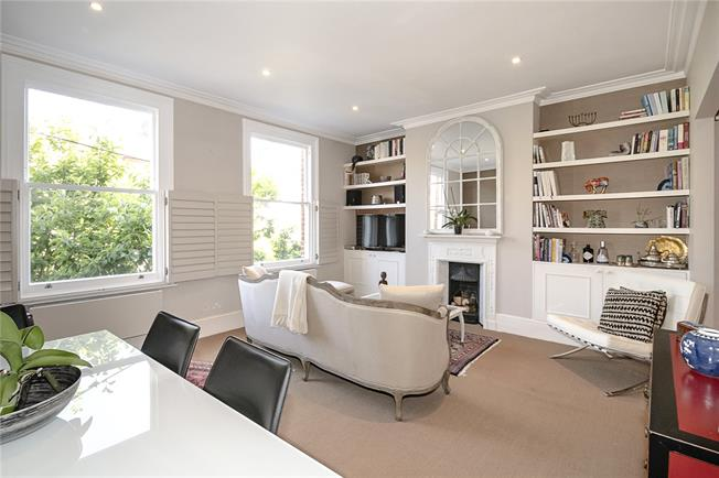 Guide Price £575,000, 1 Bedroom Flat For Sale in London, SW4