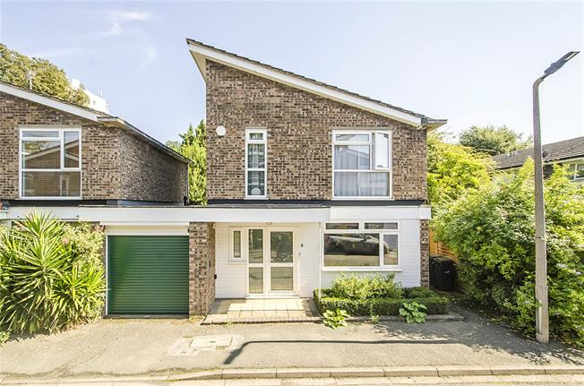 Asking Price £699,999, 2 Bedroom House For Sale in London, SW4