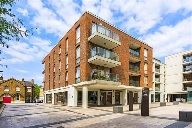 Asking Price £595,000, 1 Bedroom Flat For Sale in London, SW4