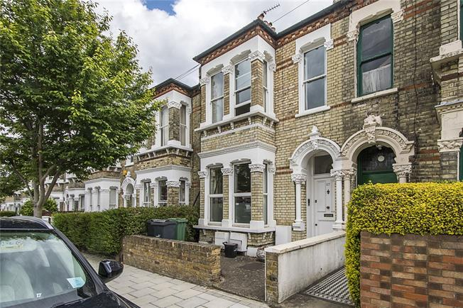 Asking Price £725,000, 2 Bedroom Flat For Sale in London, SW4